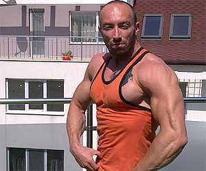 Юлиян Карабиберов Фитнес модел