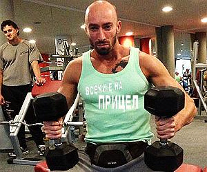 Фитнес инструктор в