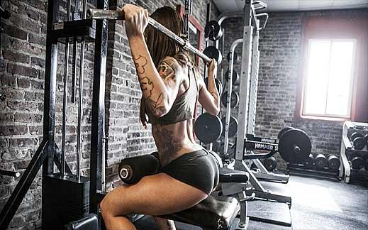 Упражнения за стягане на кръста и мускулите на гърба