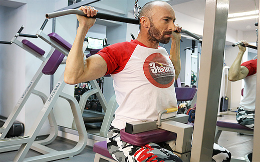 Набиране за широк гръб? Не! Има много по добро упражнение от набирането!