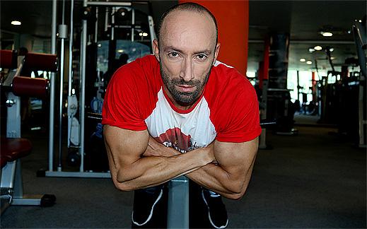 """Без болки в кръста с най-лесното силово упражнение за целта """"Гръбни преси"""""""