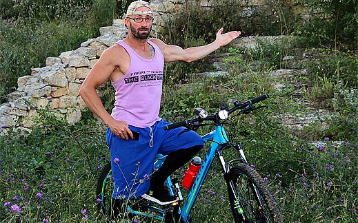 """Мисия: [BIKE] – Ден 18. Грабни велосипеда и хайде към """"Чуката"""" в село Свирачи"""