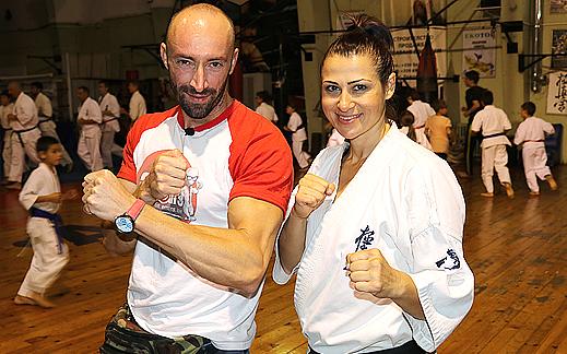 """На тренировка в спортен и здравен център """"Аякс"""" в град Бургас."""