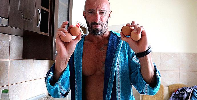 варени яйца и айря е първото хранене от моя ден с Tommy Hilfiger