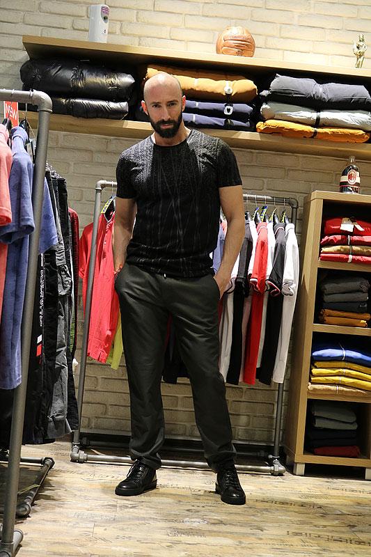 мъжки черен панталон слим фит